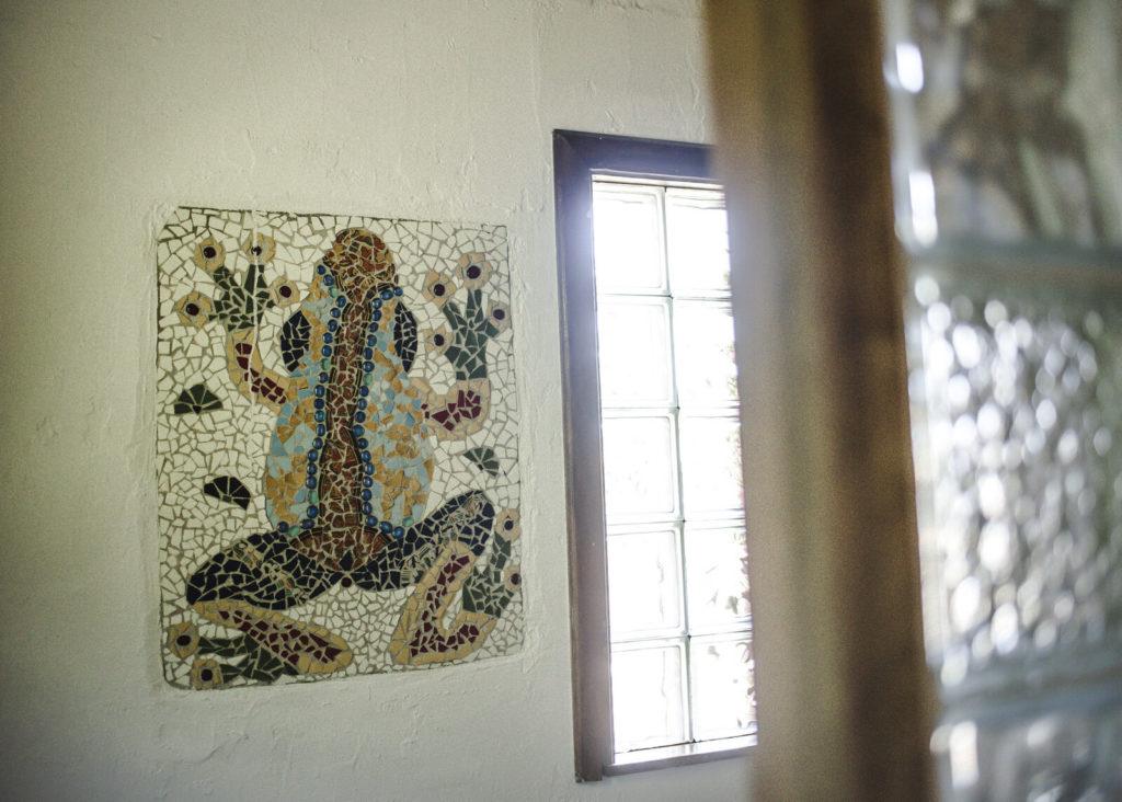 three-frog-decor